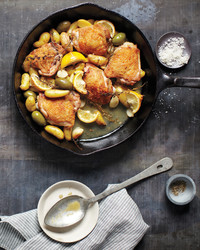 skillet-chicken-potatoes-olives-0911mld107571.jpg