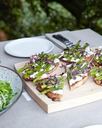 grilled-olive-bread-asparagus-la-easter-d110200.jpg