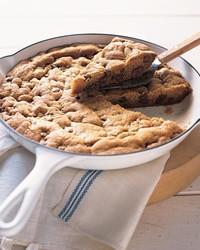 ML207E02 U 0702 U Skillet U Baked U Chocolate U Chip U cookie.jpg