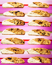玉米粉-cherry-white-chocolate-biscotti-102828332.jpg