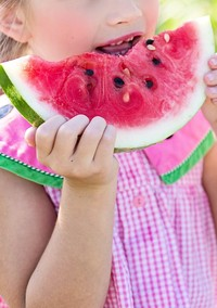 Paying Kids to Eat Fruits and Vegetables? This Study Says Go For It!