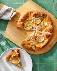 sliced lemon cheese pizza