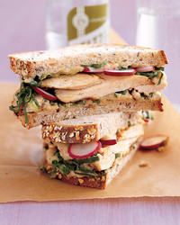 mla101964sandwich_0306_grilled_cicken_escarole_sandwich.jpg