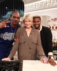 Martha, Snoop, and Usher Are Cooking with Booze Tonight