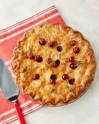 特色-食谱-marthas-sour-cherry-pie-168-vert-d13085.jpg