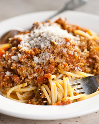 martha-cooking-school-pasta-sauces-bolognese-cs2004-0255.jpg