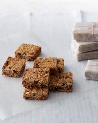martha-bakes-dried-fruit-nut-health-bars-303-d110936-0414.jpg