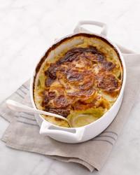 martha-stewart-cooking-school-scalloped-potatoes-am-1311-d110633-20130923.jpg