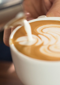 How to Make Latte Art Like a Barista