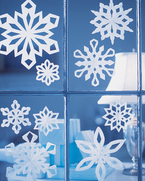 How to Make Paper Snowflakes by the Dozens
