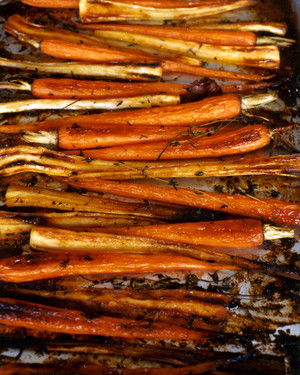 recipe: roasted parsnips and carrots with maple syrup [10]