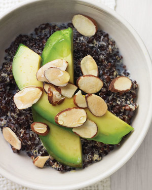 Keen on Quinoa? 12 Healthy Quinoa Recipes for Breakfast, Lunch, and Dinner