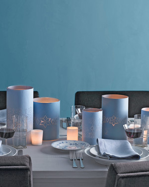 11 Lantern Centerpieces to Give Your Table a Romantic Glow