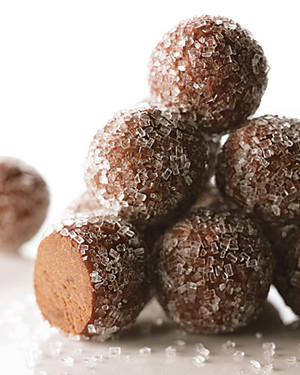 Rum Balls With Fruit Cake
