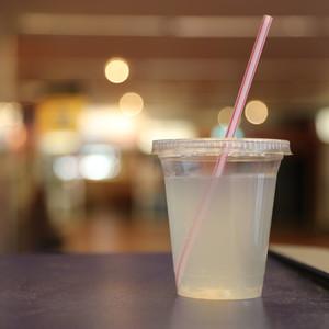 改变日子:这是一次性塑料吸管的真正问题