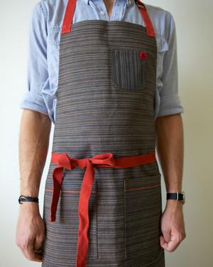 am-pedlars-apron-122013.jpg