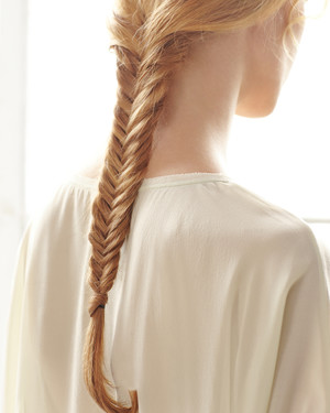 Hair-Braiding How-To