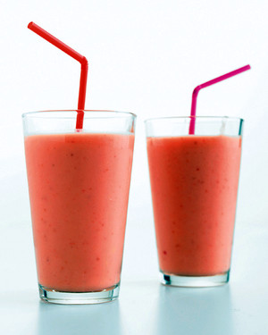 10 Supercharged Strawberry Smoothie Recipes