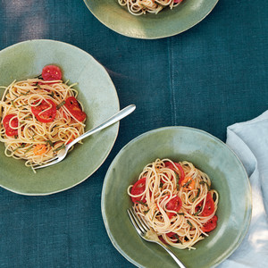 Spaghetti with Cherry Tomatoes, Habanero Chile and Mint