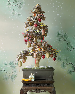 28 creative christmas tree decorating ideas martha stewart 28 creative christmas tree decorating ideas publicscrutiny Image collections