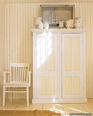 msl_sept06_decorate_white.jpg