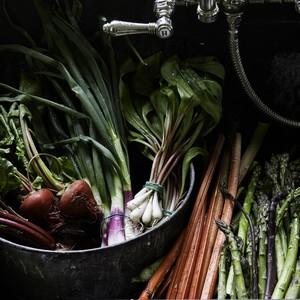 Spring vegetables in the sink