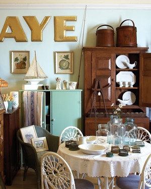Secrets to Shopping Flea Markets and Yard Sales