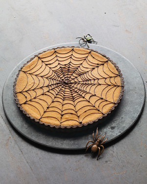 Pumpkin Chocolate-Spiderweb Tart