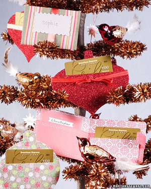 3068_121007_giftcardholders.jpg