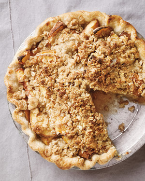peach-crumble-pie-med107220.jpg