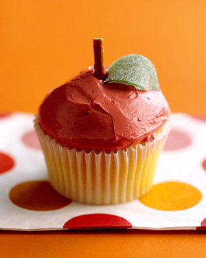 a100233_fall03_apple_cupcake.jpg