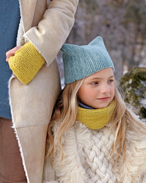 7 Knitted Scarves to Feel Cozy and Comfortable