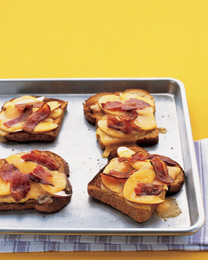 grilled-cheese-1004-mea100921.jpg