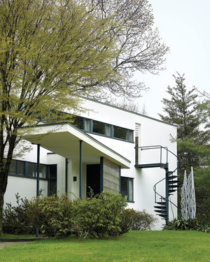 Home Tour: 1930s Modernist Treasure