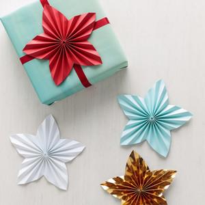 纸星星装饰礼物
