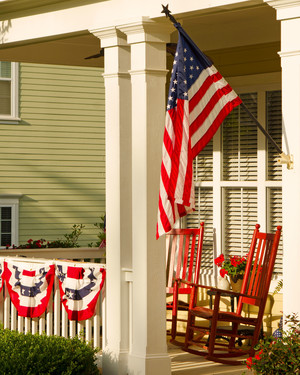Front Porch Ideas That Will Look Beautiful All Summer Long