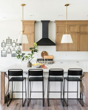 An Outdated Kitchen Gets a Glam Farmhouse Makeover