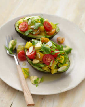 avocado-pepper-tomatoes-bd108052.jpg