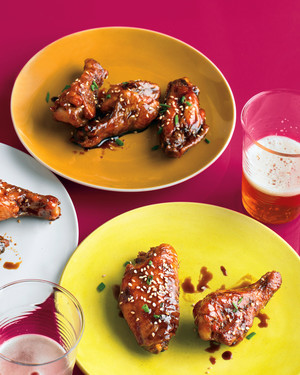 med106010_1010_hyt_chicken_wings.jpg