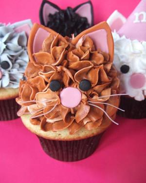 cupcake_contest_0211_cat_cupcakes.jpg
