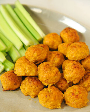 recipe: fried buffalo chicken balls [23]