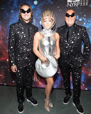 12 Otherworldly Costumes From Bette Midler's Hulaween Gala