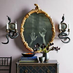 haunted mirror hands