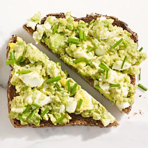mashed avocado egg toast