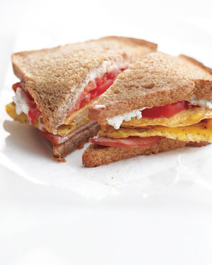 bacon-egg-cheese-sandwich-med108588.jpg