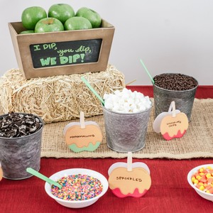 Celebrate Fall with a Dip-Your-Own Caramel Apple Bar