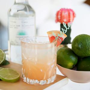 cinco de mayo floral fiesta drink limes close-up