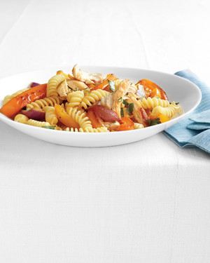 pasta-chicken-peppers-0911med107344.jpg