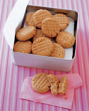Crunchy Peanut-Butter Cookies image