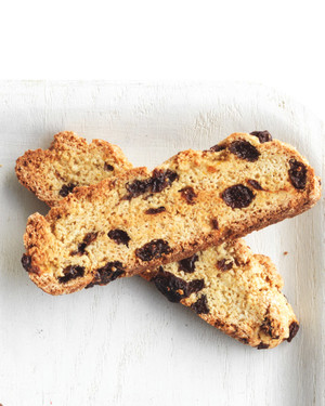 rum-soaked-raisin-biscotti-med107845.jpg